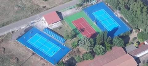 Tennis: da domani a Ghilarza il via ai corsi di scuola tennis tenuti dal maestro Mirko Usai