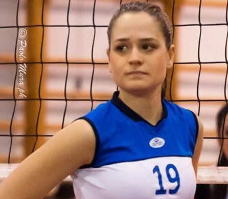 """Calcio. La """"sfida"""" vinta da Chiara Marcangeli, allenatrice dei Giovanissimi dell'Abbasanta Calcio"""