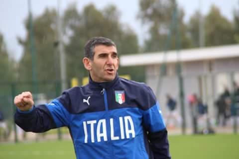 Calcio Promozione Girone A. Vincenzo Fadda si dimette da tecnico della Tharros. Al suo posto Matteo Serra