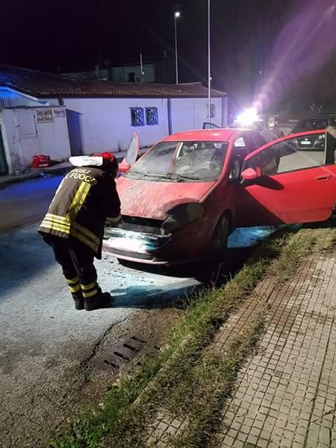 Incendiata l'auto di un giocatore dell'Orotelli Calcio. Choc in società, chiesto il rinvio della gara con la Tonarese