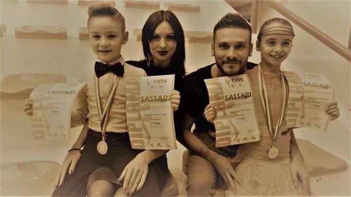 Danza sportiva. Pioggia di medaglie e titoli a Porto Torres e Pomezia per la Cuban Star di Abbasanta