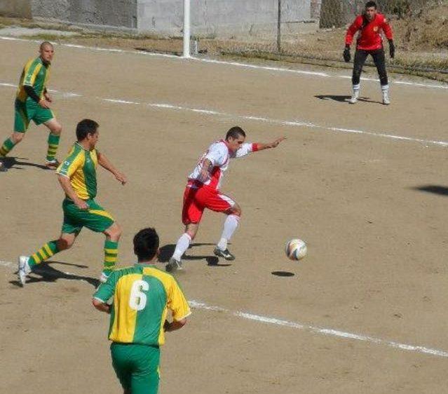Calcio. I bomber di casa nostra. Mauro Calvia, mister 52 gol, punta di diamante dell'Oniferese