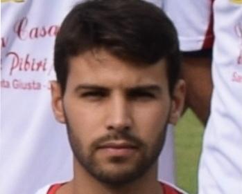 Calcio 1a Categoria girone C. Solinas gol e l'Oristanese festeggia la vittoria con la Tonarese