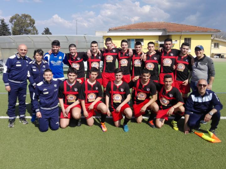 Calcio Juniores. L'Abbasanta sconfitta ai rigori nella finale provinciale. Vince la Freccia Mogoro