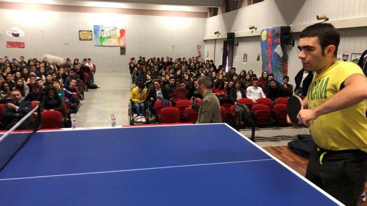 Il Progetto TennistavolOltre arriva al Liceo Galilei di Macomer