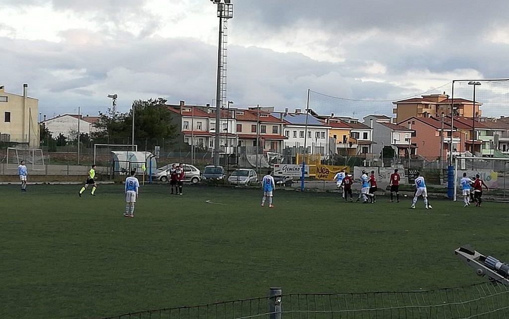Calcio Promozione B. Thiesi e Ilva che duello! La Macomerese blocca lo Stintino, Bonorva ancora out