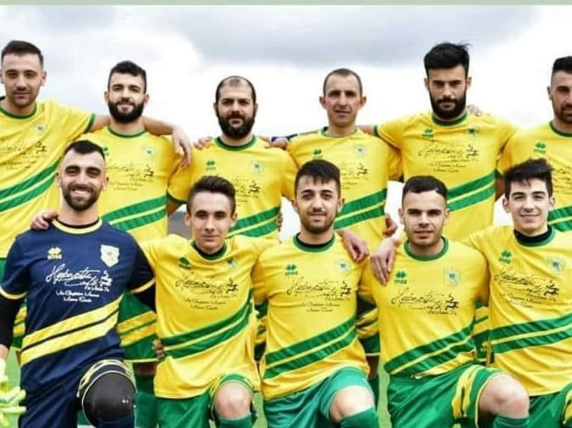 Calcio 1a Categoria. Il Meana Sardo e bomber Talloru festeggiano la Promozione.