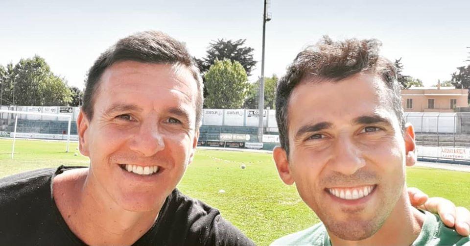 """ll brasiliano Emerson ospite d'eccezione stamane al """"Summer Camp"""" della Nuorese calcio"""