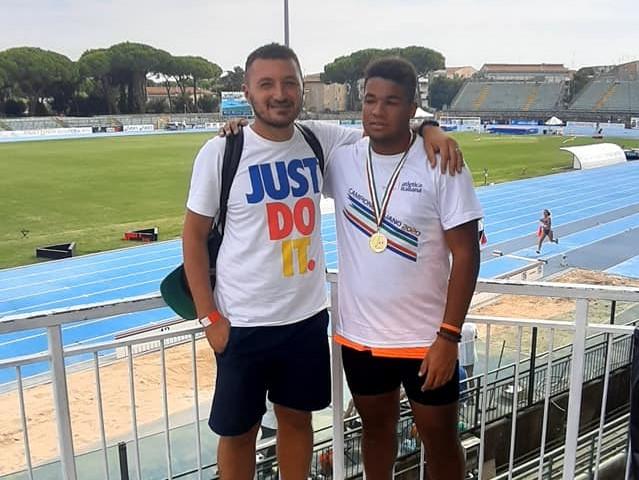 JHONATAM MAULLU CAMPIONE ITALIANO/L'atleta oristanese allenato da Mauro Gabrielli spedisce il giavellotto a 71,53 mt