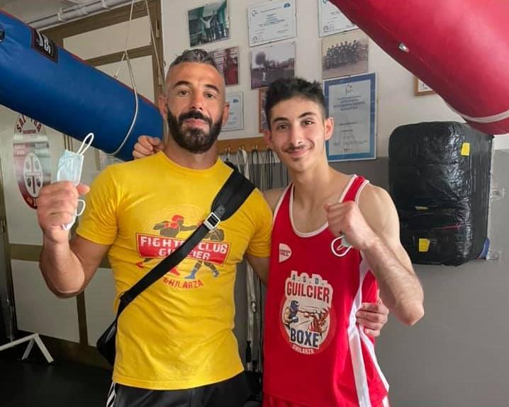 BOXE/ Ottima prova all' esordio per il giovane pugile ghilarzese Enrico Deligia sul ring di Porto Torres