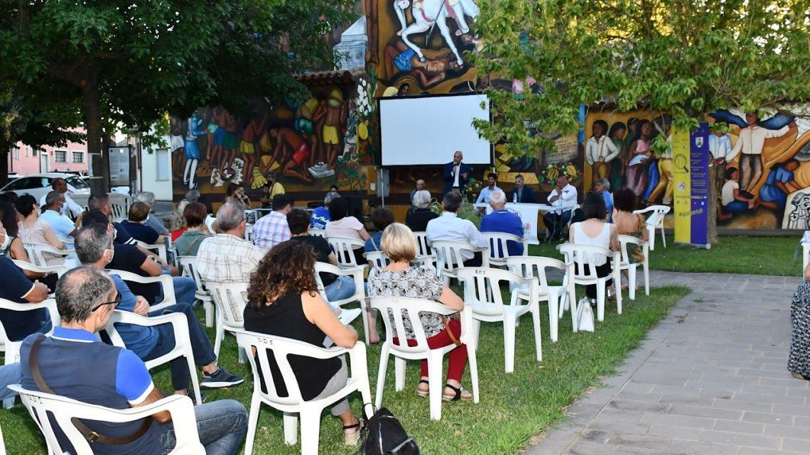 """Online le fotografie dell'evento del 6 agosto, la presentazione del libro """"La Terra dei Giganti"""" con l'olimpionico Stefano Oppo"""