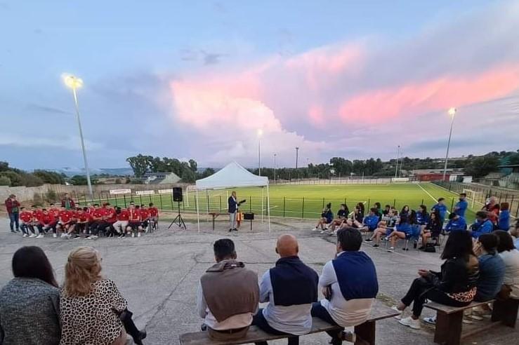 Grande festa ieri al Walter Frau per la presentazione ufficiale dell'ASD Ghilarza calcio e del GSD Volley Ghilarza 2008