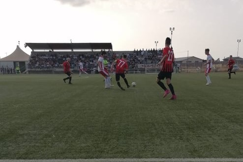 CALCIO PROMOZIONE B/ Il Samugheo batte il Tonara per 2-1 ma nessuno festeggia: frattura di tibia e perone per il giocatore locale Gianluca Deligia