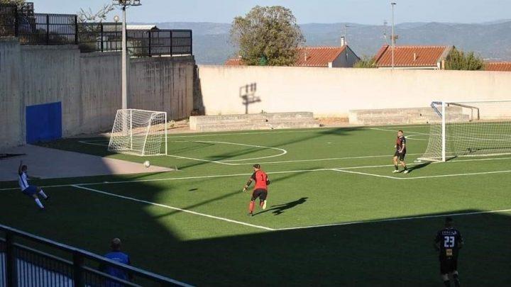 CALCIO 1A CATEGORIA D/  La domenica speciale di Eddy Tola del Silanus che ha segnato un gol capolavoro all'Atletico Bono