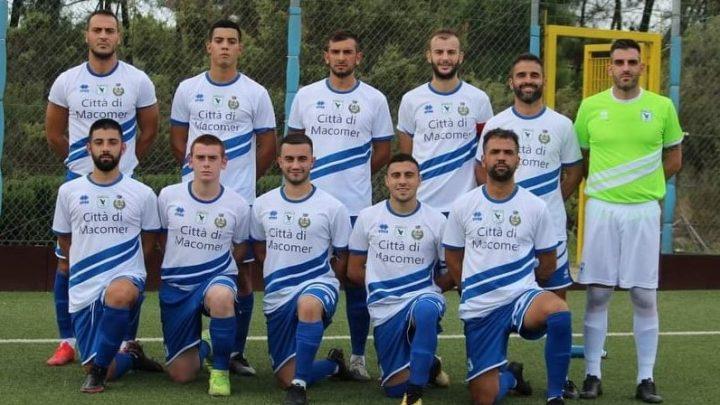 CALCIO ROMOZIONE B/ La Macomerese fa il  tris: vince a Buddusò per 0-2 e resta in vetta a punteggio pieno